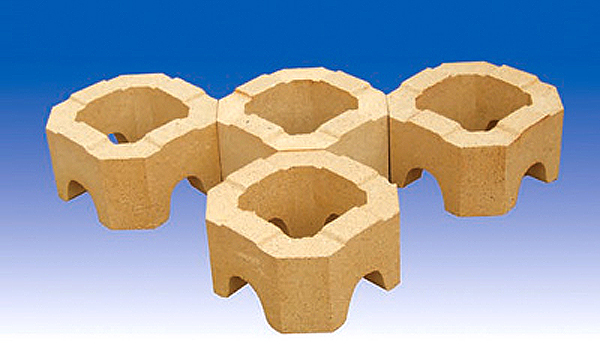 Low porosity clay brick for glass furnace